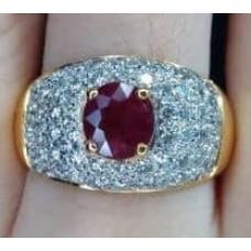 แหวนพลอยแดงประดับเพชร